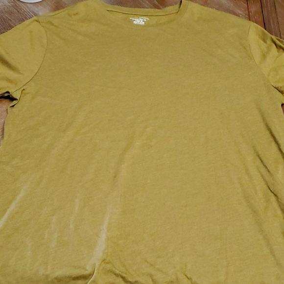 Banana Republic Tshirt